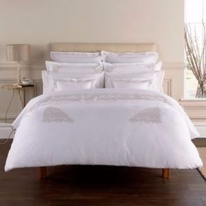 Christy Of England Hampton  Embroidered Duvet